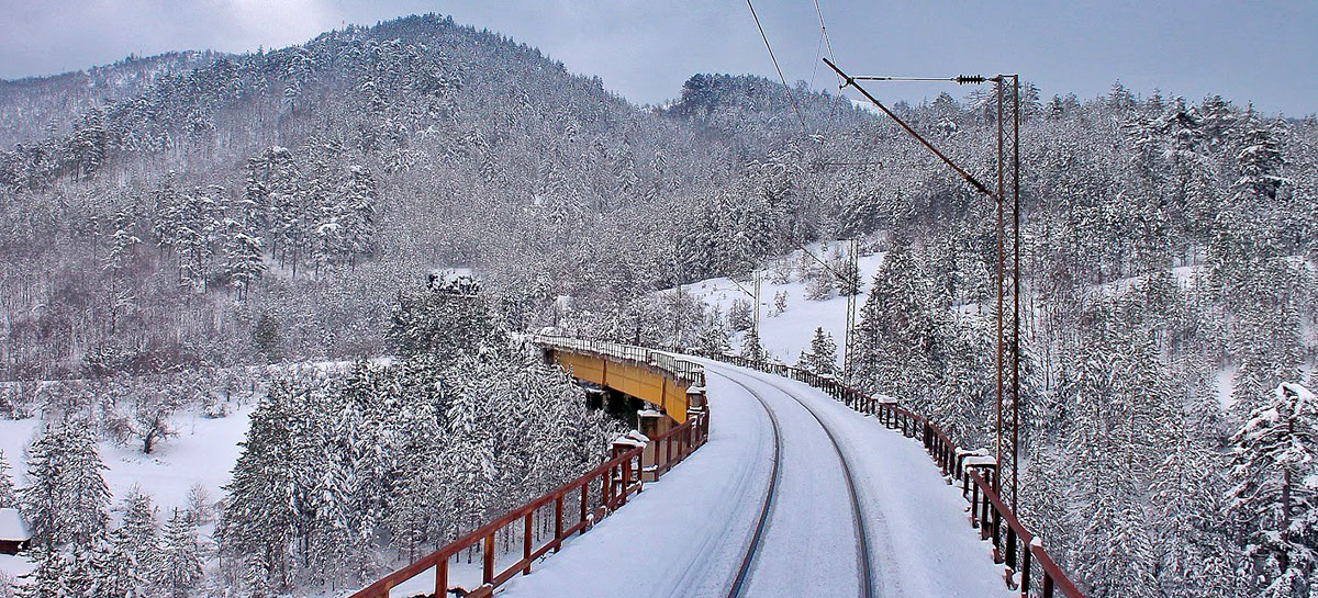 Железнички саобраћај у леденим данима функционише без проблема